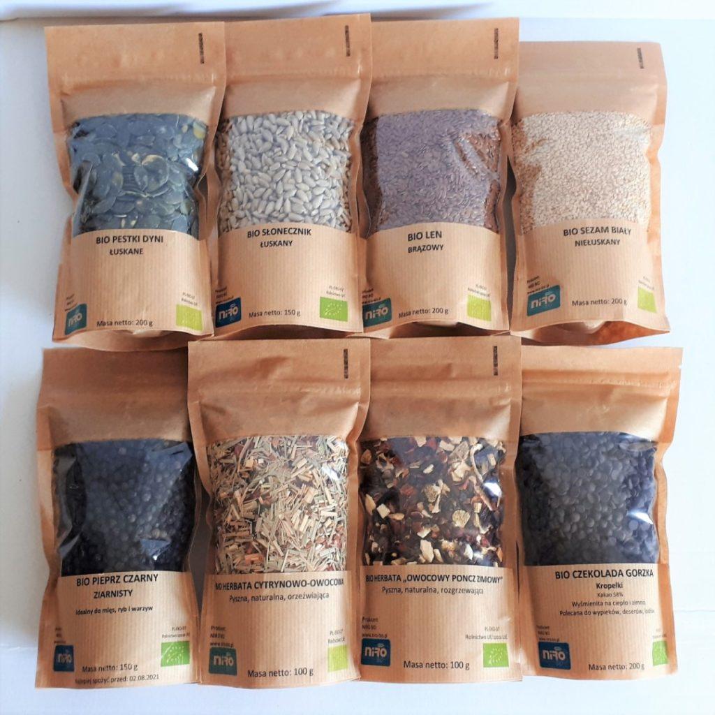 Zdjęcie grupowe nasiona, przyprawy czekolada